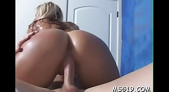 Juicy gal enjoys cum in mouth